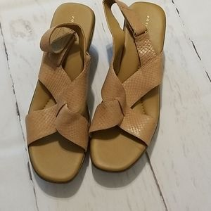 Easy Spirit leather nude sandals 11
